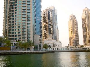 Dubai Yacht Cruise: passing mosque from a yacht