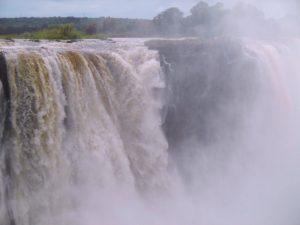 falls-huge-mist