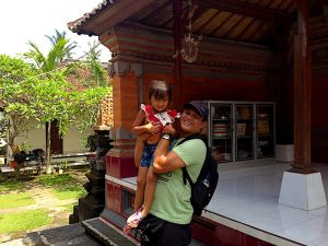 komang with daughter